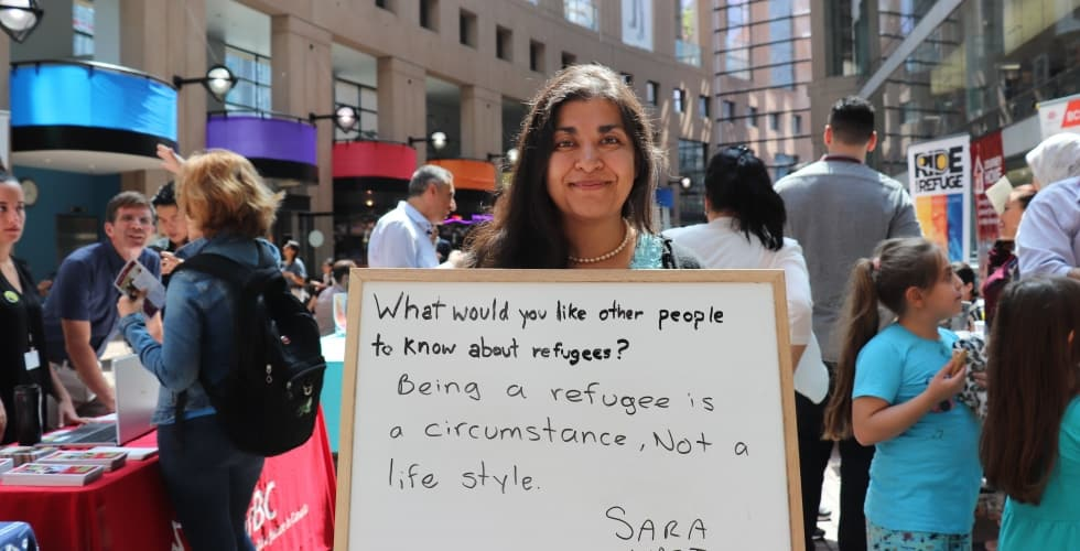 Refugees and the media: Tips for interviewing refugees