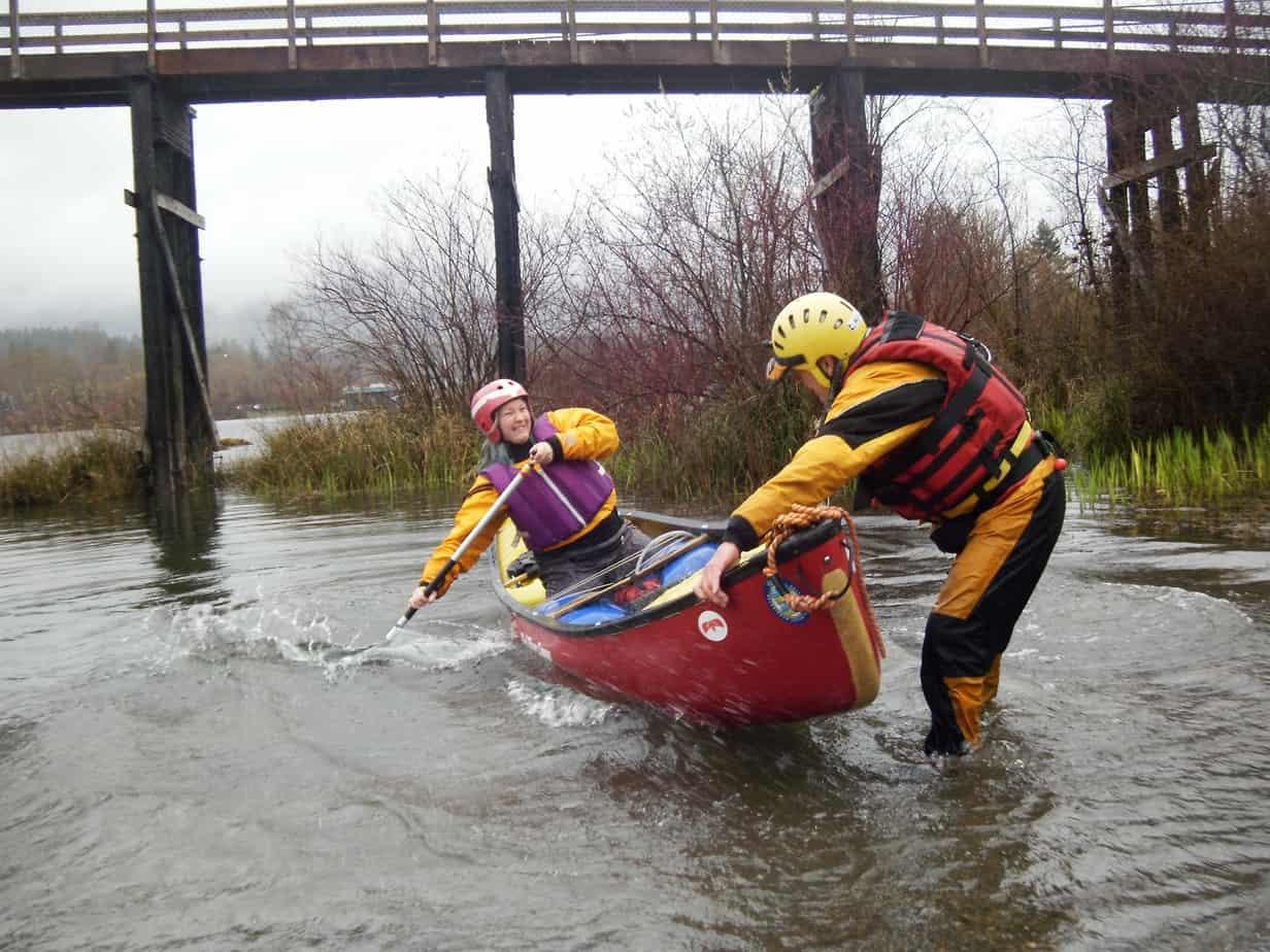Cowichan Valley newsletter: Lake Cowichan canoe lesson