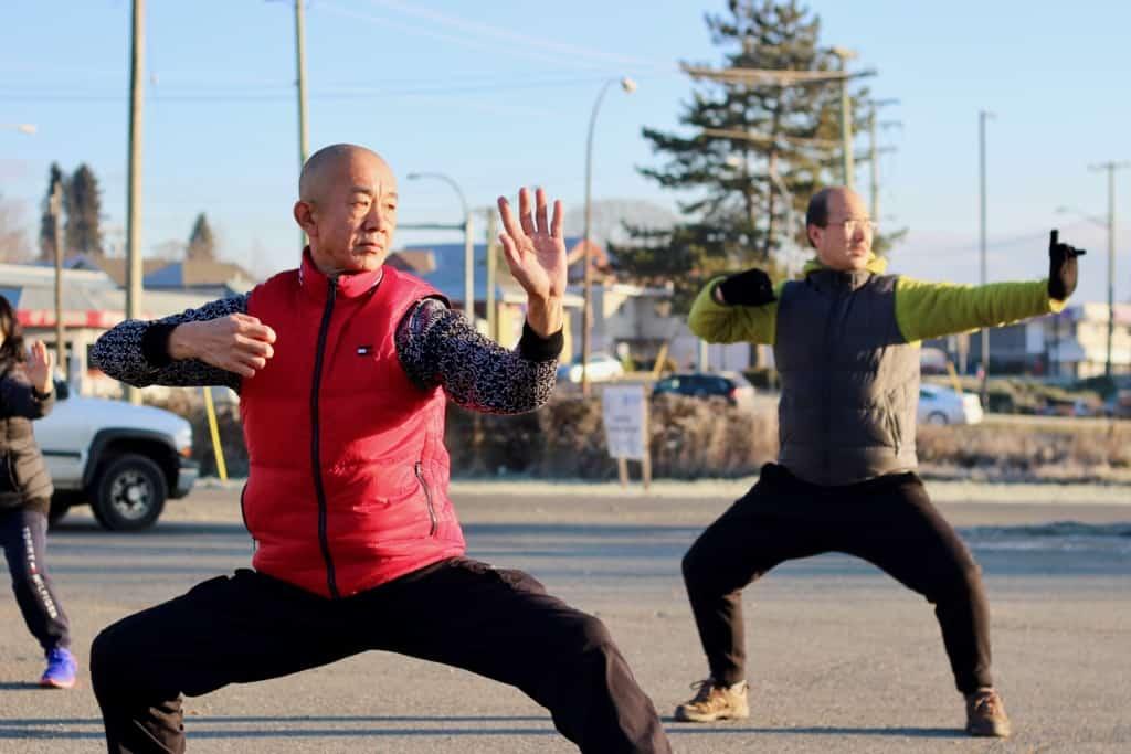 Lou Zheng teaches Tai Chi in Duncan